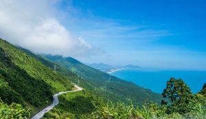 Hai-Van-Pass-danang-private-car