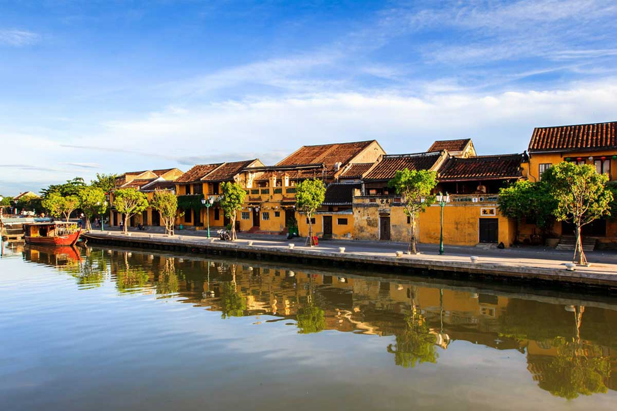 Hue to Hoian by Car