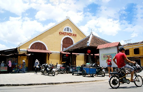 Shop at the Central Market