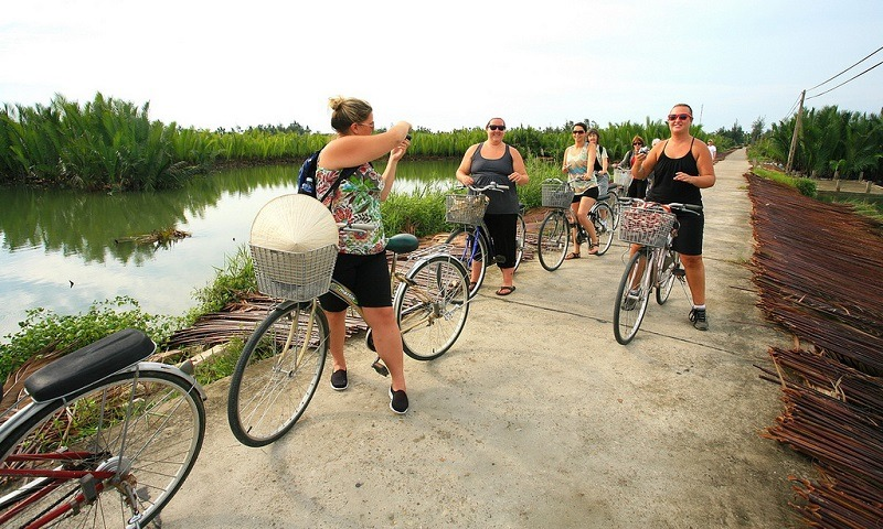 Take a bicycle tour around the city - danang private car