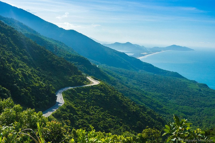 hai van - danang to hue by private car