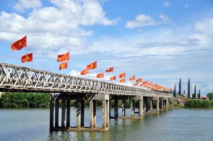 Hien Luong Bridge-Hue to Phong Nha by car