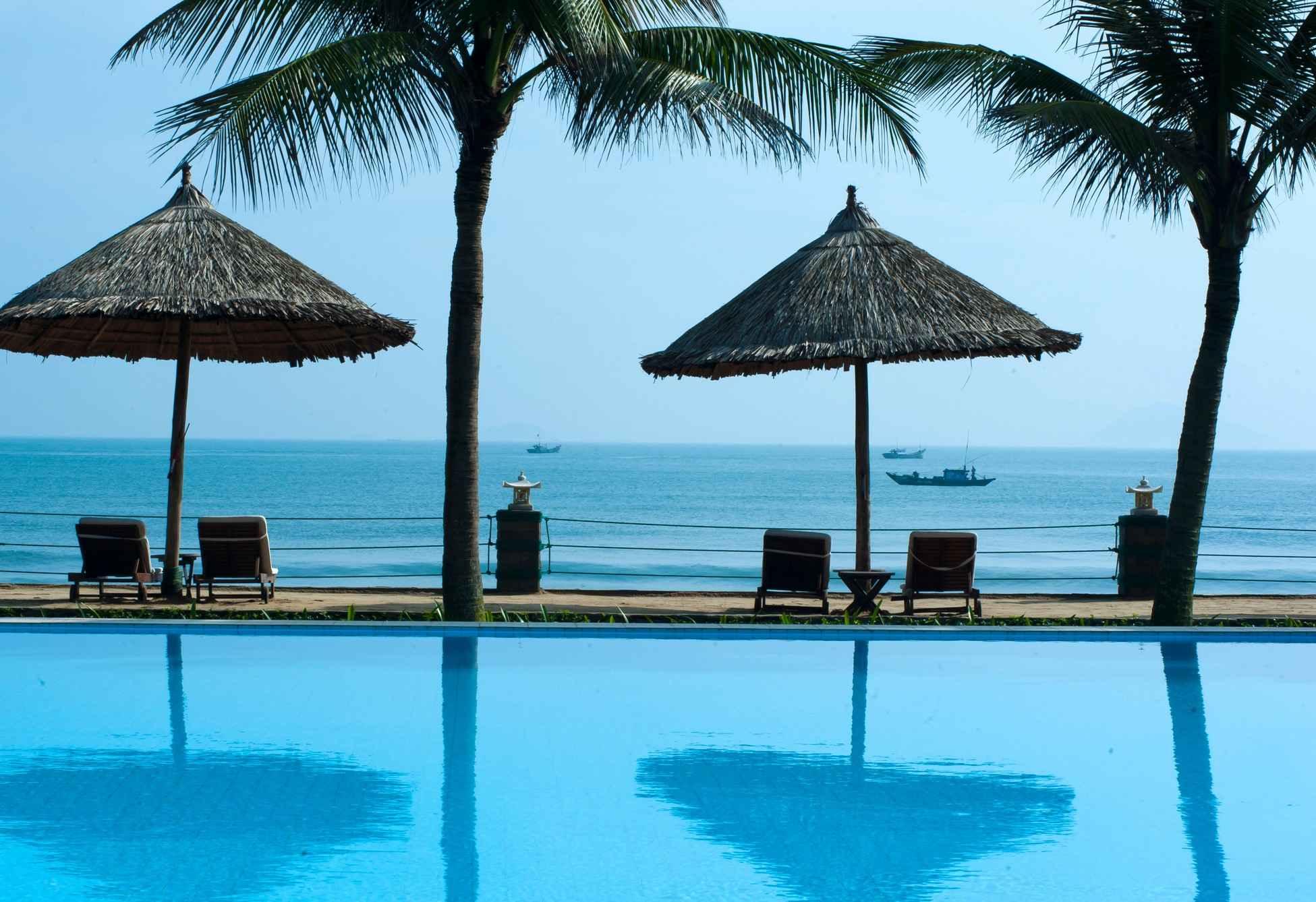 Relax on the beaches Cua Dai