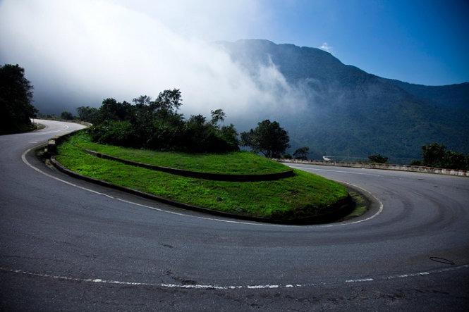 Hai Van Pass - Hue to Danang by Car