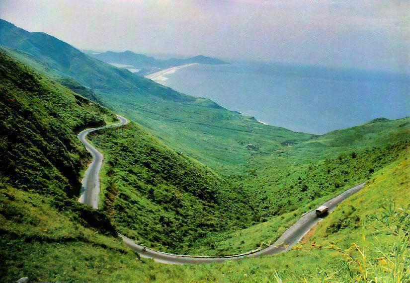 Hai-Van-Pass-Hue-to-Danang-by-car