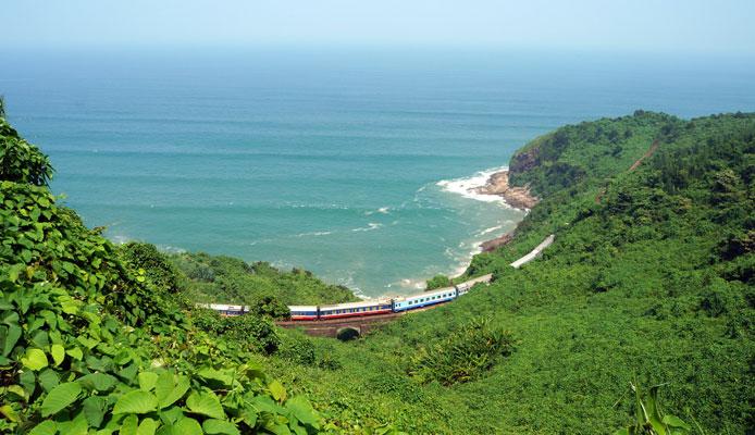 Danang to Hue by train