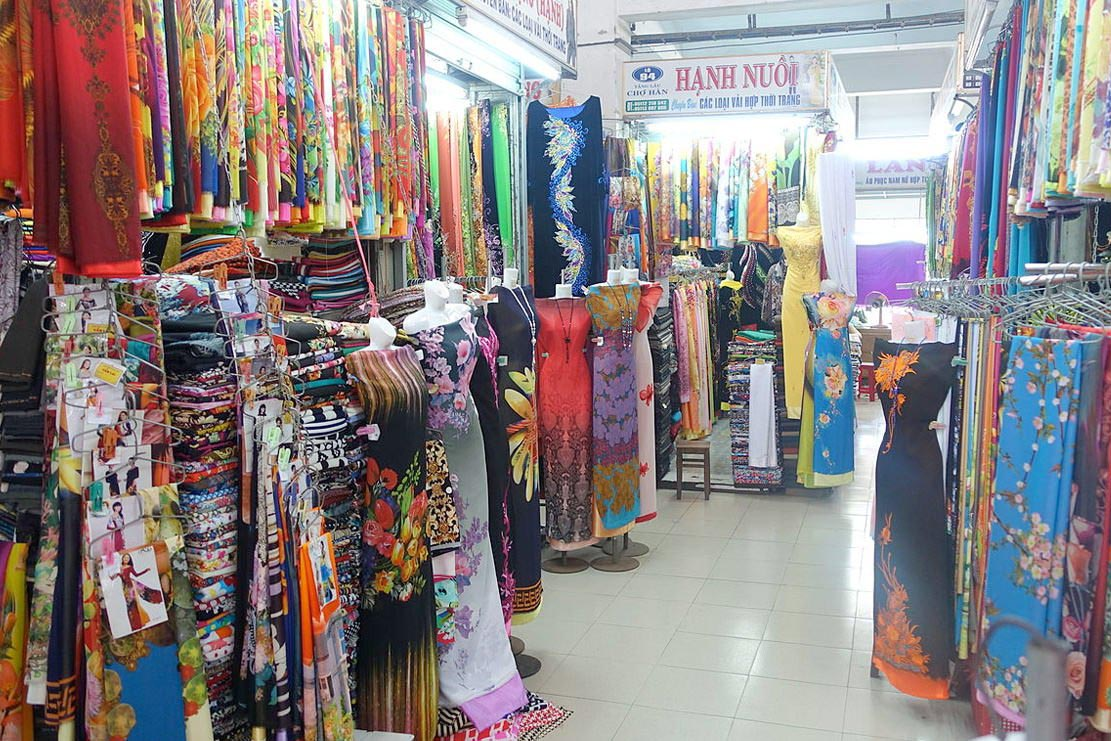 Han Market Shopping In Danang