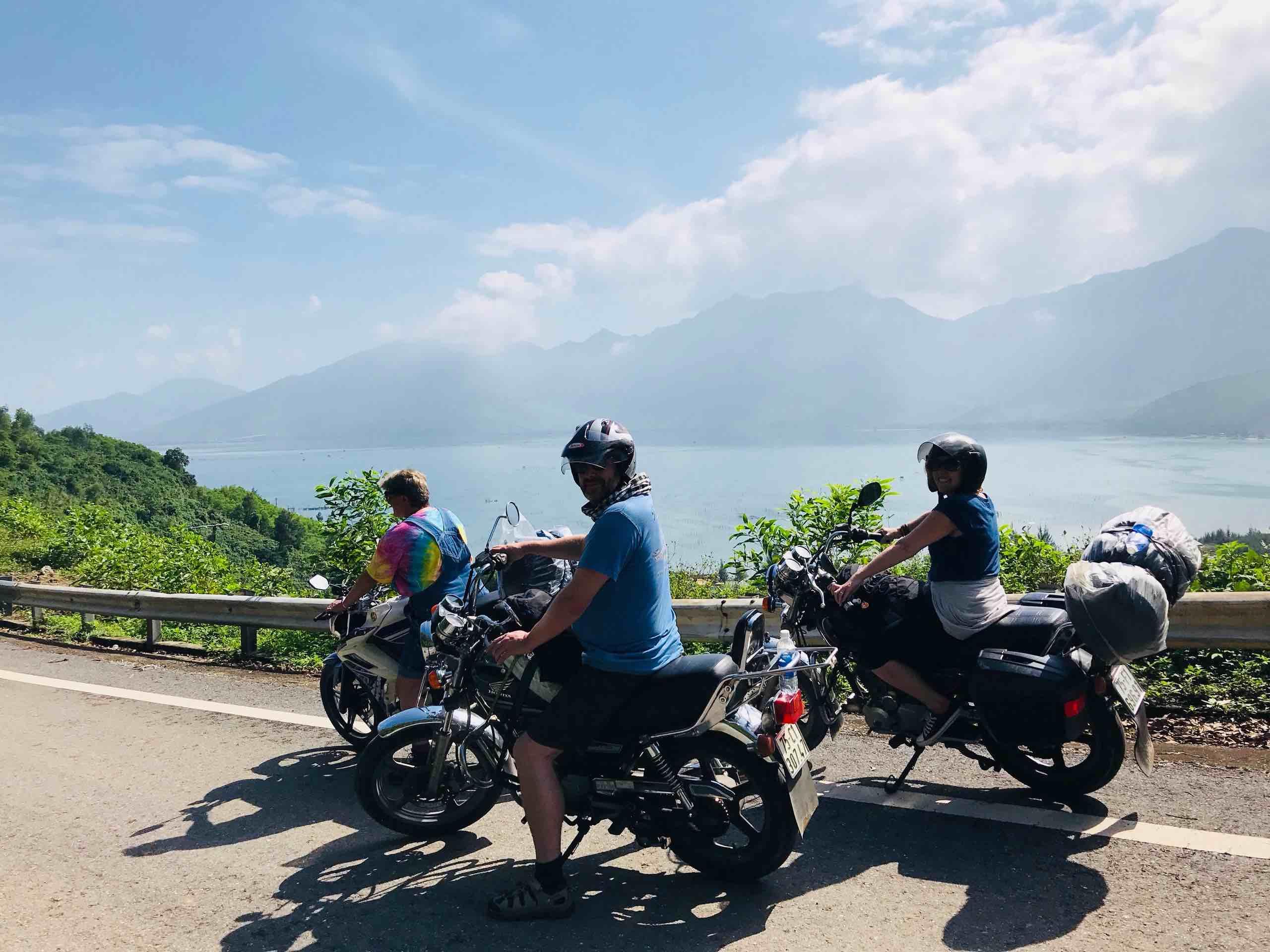 Hai-Van-Pass-motorbike